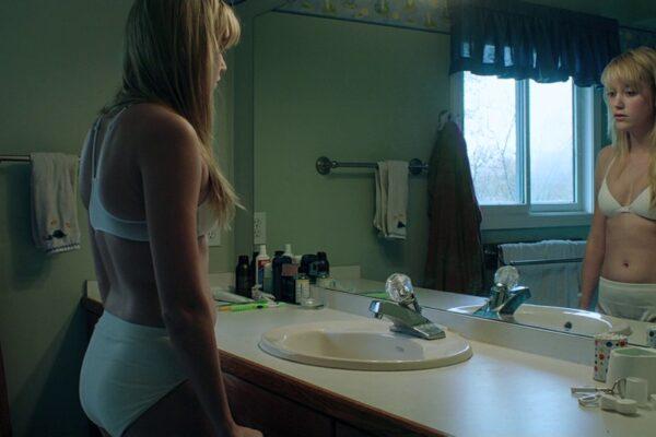Tropem dziewicy – o ciele i seksualności w slasherach