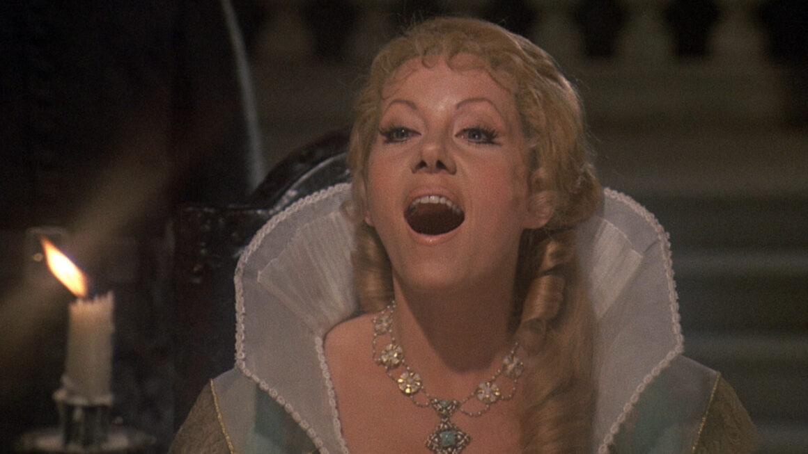 Przypudruj mi nosek, naostrz kły. Hrabina Dracula